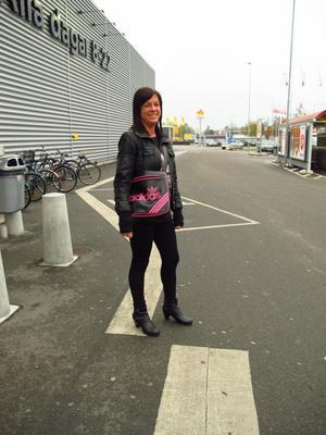 Ovanligt. Alexandra Bergström klär sig oftast i baggyjeans och en t-shirt.