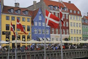 Vid ett besök i Köpenhamn drar sig många besökare till Nyhamn. Men staden har många matställen som är värda ett besök.   Foto: Shutterstock.com