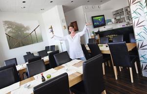 VÅGADE. Ingela Sigvardssons bästa tips för den som funderar på att starta eget är att våga. Här är hon på sushirestaurangen Daikichi, som hon drivit i snart ett år.