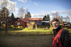 Efter förra årets uppehåll är Gunnar Larshow tillbaka med julmarknad på Hillsands Kulturgård igen. Lördagen 14 december kommer 25 knallar finnas på plats.
