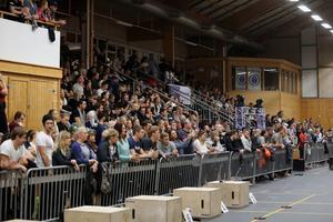 Omkring 1000 åskådare hade hittat till Sportcentrum i Norrtälje under tävlingshelgen.