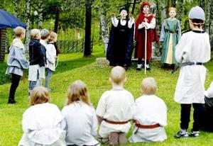 Salve Sverkersson döms till fredlös och tar sin tillflykt i en grotta. År 1428 benådas han av Erik av Pommern.