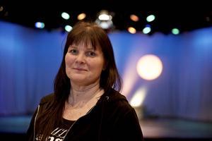 Nu lämnar Stina-Kari Axelsson jobbet i Gagnef för att forma och leda en ny musikalutbildning i Leksand.