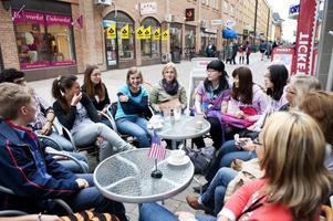Den amerikanska gruppen var störst, men inom den rymdes flera olika nationaliteter. Bland annat tre från Kina som beskrev hur det gick till när de valde att flytta till Sverige och studera.