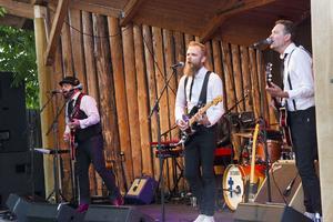 Erik Brodén och bandet.
