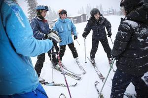 Kristoffer Rosenblad från Ängelholm går skidlärarutbildningen i Åre. Han känner stor lättnad över att hans utbildning är räddad.