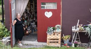 Välkommen. Cathy Bäck har gjort mer av sin hobby, 2011 öppnade hon dörren till Ängla Hjärtat.