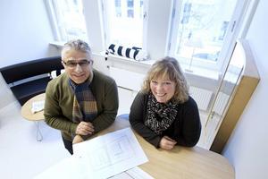 Mashall Nijadiyan, byggprojektledare och Veronica Lindström, uthyrning och marknadsansvarig.