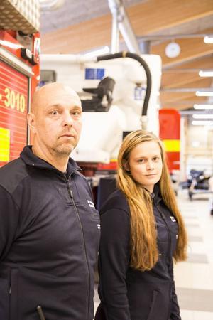 Daniel Persson och Emelie Lund var två av brandmännen som bekämpade branden i Västmanland.