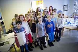 Årkurs 5-6 på Sandarne skola kommer att hålla utställningen under några veckor.