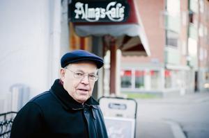 Bengt Persson jobbade under 1940-talet vid Adlers Åkeri och i uppdraget ingick dagliga leveranser till Borlänges caféer och konditorier.