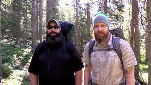 Inför den kommande strapatsen har amerikanerna Ryan Ewing och Brent Rueff laddat ryggsäckarna med några extra granolakakor.