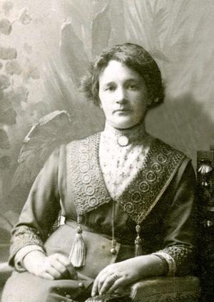 Anna Skoglund (senare Eklundh) grundade Nya Konditoriet i Bollnäs 1912, samma år som tidningen Ljusnan startade sin utgivning.