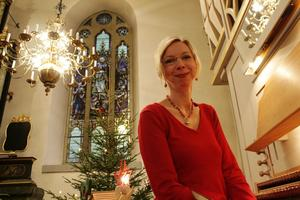 """Tre orgelfrossor har Maria hunnit med under hösten. """"Det är högt i tak här i församlingen och en tillåtande bygd. Vi har haft både bluegrasskonsert och afrikansk kördag här"""", säger hon."""