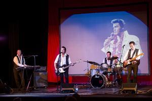 För många är Elvis en idol. Peter Jezewski utgör inget undantag.