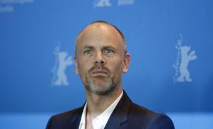 """Fredrik Bond, svensk regissör i Hollywood, som nu gör långfilmsdebut med """"The Necessary Death Of Charlie Countryman"""". Filmen tävlar om Guldbjörnen vid filmfestivalen i Berlin."""