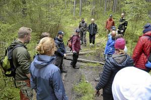 Ett 30-tal deltagare från hela landet var med på Sveriges första stigbyggarkurs.
