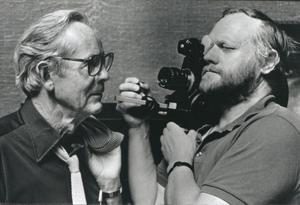 Filmaren Jan Troell i närbild.