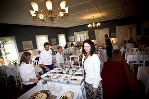 Restaurangbranschen välkomnar regeringens förslag på sänkt moms.