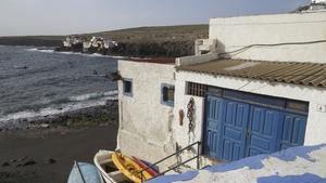 Eftermiddag i Melenara. Här finns ett gott utbud restauranger längs stranden.