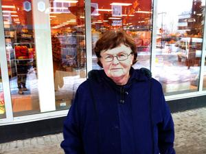 – Ungdomar är väl inte tysta precis och det tycker jag inte att de ska behöva vara heller, säger Mona Ljung, 70.