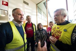 Nils-Guinnar Molin, ordförande i Sollefteå Framtidens Akutsjukhus,  berättade om ett fem–punkts program som föreningen tagit fram inför nästa val.