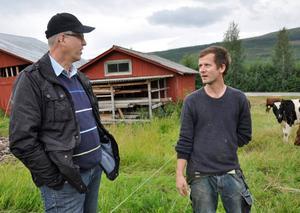 Erik Danielsson, till vänster, och Olof Östling gläds över den lyckade kampanjen som känns som ett starkt stöd för bönderna.