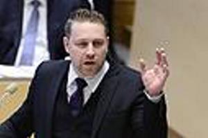 ... Sverigedemokraten Mattias Karlsson är inte så goda grannar.