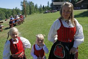Från höger: Tine Hildingsson, Sigrid Sandin och Signe Sandin.