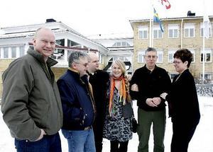 Tisdagens positiva besked var viktigt för samtliga verksamheter som är verksamma på Sandö. Glada är bland annat Marie Berglund, Rune Moberg, Marianne Klingberg, Johan Lindberg, Sören Sjöberg och Berndt Hedström