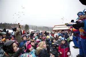 Godisregnet med Rommi var väldigt populärt och lockade flest barn till scenen.
