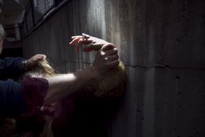 Alkohol är en stor del i våldet mot kvinnor, skriver IOGD-NTO. Observera att bilden är arrangerad.
