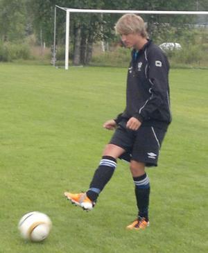 IFK Moras 17-årige Oskar Enmalm har under några dagar fått träna med Djurgårdens U-19.