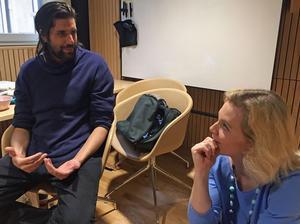 Dejan Srhoj och Nina Bozic diskuterar hur människans relation till tekniken blir allt mer känslosam och komplicerad.