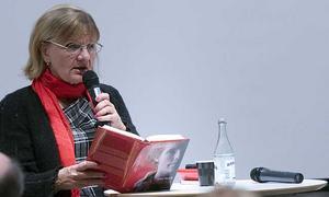 Författaren Aino Trosell talar om sin senaste bok
