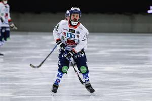 Pär Törnberg spelade SM-final med Bollnäs i mars – nu är han klar för division I.