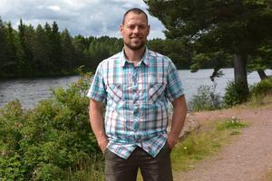 Daniel Palm är fiskesakunnig i frågan och företräder sakägarna.