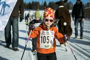 Wilma Holm, 3, deltog för andra året i rad på Barnens Skidspel.