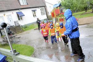 Lämnar Myrstacken. I början av nästa år räknar barn och personal vid Myrstacken med att få flytta in i den nybyggda  förskolan Sagoskatten.