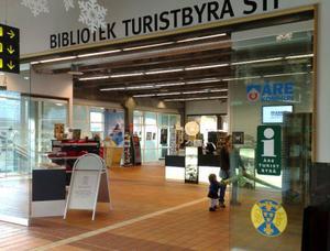 Åre turistbyrå och bibliotek ligger i Station Åre, som har en sammanbindningsbana till Holiday Club. Foto: Elisabet Rydell-Janson