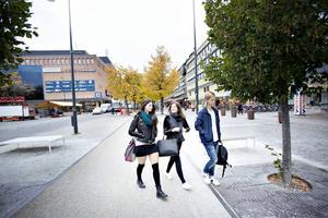 Alexandra Hemlin, Ella Brodin och Antoin Geholm tycker att det har blivit vanligare med spice bland ungdomar i Gävle.