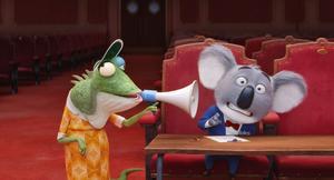 """Teaterdirektören Buster Moon hoppas på succé med en sångtävling. Till sin """"hjälp"""" har han sin virriga sekreterare Fröken Crawley. Pressbild."""