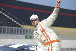 Robin Norén har tagit klivet upp i Pro stock i år, och passade på att testa sin bil.