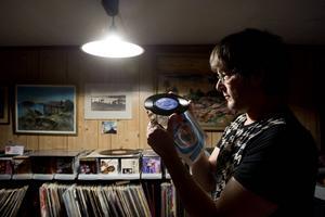 Per Kjellin tror att gammal musik står sig längre än ny. Han tror också att musikengagemang inte finns på samma sätt nu som förr.
