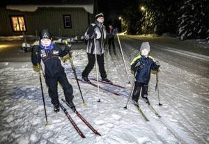 9-årige Viktor Ragnarsson från Ekeberg startade med 5-årige Lasse Bäckvall och Madeleine Hördell som samlade poäng för Änge.