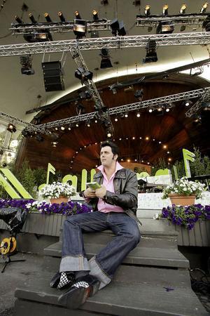 Toralf Nilsson berättade att han inte tänker sluta med att stå på scen förrän det bara är gruskorn kvar av honom.