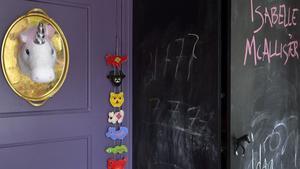 uppskattat. Griffeltavelfärg går att måla både väggar och möbler med, och ger barnen möjlighet att själva vara kreativa.