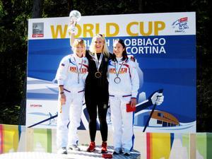 Vinnaren Marika Sundin flankeras av VC-tvåan Ksenia Konohova och totaltrean Elena Rodina, bägge Ryssland.