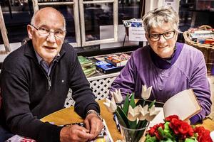 Björn Ramström och Ingeborg Mårtensson jobbar också vardagligt med att hjälpa inflyttade med att komma in i både arbetslivet genom att de får jobba i Röda Korsetbutiken några dagar i veckan och genom att jobba för ett öppnare samhälle överlag.
