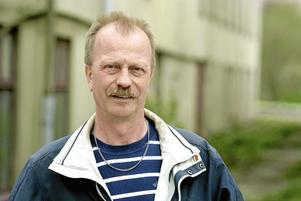 Tidigare hade vi en oppositionsgrupp, nu har vi två.  Per Eriksson (S)